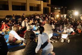 「避難所の熊本被災者」の画像検索結果