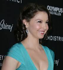 ashley judd politics the hollywood gossip ashley judd recalls rape decries violence against women in powerful essay