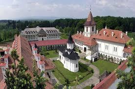 Imagini pentru manastirea sambata de sus
