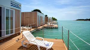 Marina Uno Floating Resort , Линьяно-Саббьядоро ... - Booking.com