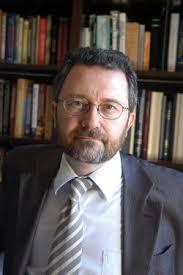 El profesor de Economía y Finanzas del IESE Francisco Javier Vives Torrents, logró ayer el Premio Rey Jaime I de 2013 en el apartado de Economía. - 1370351962_510428_1370360355_noticia_normal