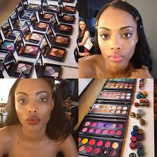 kit what is a freelance makeup artist