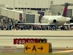 Shooting at Florida     s Fort Lauderdale airport leaves   dead