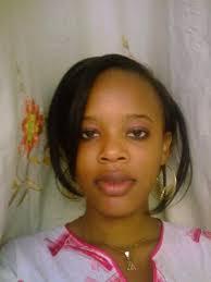 <b>Oumou Thiam</b> - Une soeur.  0 | 8 | 0 - 2425404453_small_2