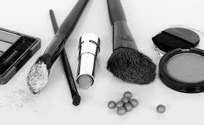"""""""The <b>Dirty Dozen</b>"""" cosmetic chemicals to avoid - David Suzuki ..."""