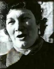 Jeannie Robertson. The best singer of the Muckle Sangs (classic Scots ballads) I ever heard. She possessed a supreme artistry and what would now be called ... - jeannie
