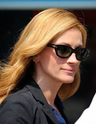 A Fashion Crowd Glam Peeper Protectors Julia Roberts Source