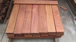 sàn gỗ căm xe được sử dụng nhiều hơn cả sàn gỗ chiu liu