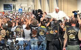 Le Pape bientôt piéton Images?q=tbn:ANd9GcSpEDYbJ76sC4U0NOmrXGI_HikV_P8ZmezOqIh4wq_3Q40S3aNyOw