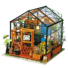 <b>DIY Dollhouse</b> – Robotime Online
