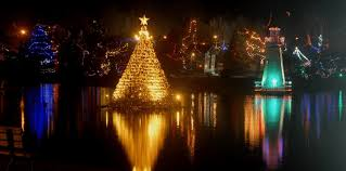 Places to See Magical Christmas Lights in Ontario | To Do Canada