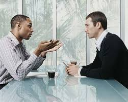 berkomunikasi dengan orang lain