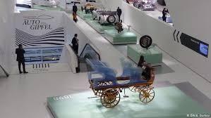 Автопром Германии ускоряет переход на гибриды и ...
