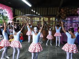 escola municipal lydia sherman comemora anos com festa em comemoraccedilatildeo