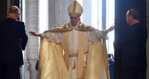 Risultati immagini per giubileo 2015 apertura porta santa papa francesco