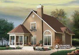 House plan W A detail from DrummondHousePlans comfront   BASE MODEL bedroom craftsman chalet   sunroom   The Sunburst