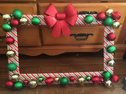 selfie frame pinteres made from foam board and wrapped in christmas paper or nts