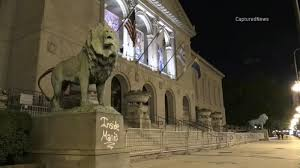 Chicago <b>Art</b> Institute <b>lion</b> statue vandalized with spray paint; Indiana ...