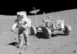 Lunar Rover. Images?q=tbn:ANd9GcSqoshx4oxzYxIrlT1S8uPja0_U7uT10m-zSVN0E8ZosRqDn1vL
