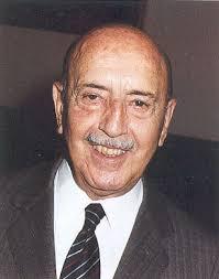 Angel Santos Ruiz. Nace el 19 de julio de 1912 en Reinosa (Cantabria). Estudia Medicina en Salamanca y Farmacia en Madrid, donde obtiene los dos Doctorados ... - santos