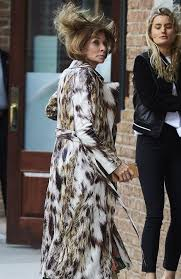 anna wintour the vogue editor would not want you seeing this dishevelled photo the courier mail anna wintour office google