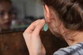 Warning: 1 in <b>5 pieces</b> of <b>fashion jewelry</b> may be damaging your ...