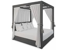 <b>Lounge Beds</b>