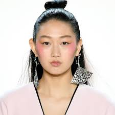 See the Best Beauty Looks at Spring <b>2020 Fashion</b> Week - E! Online