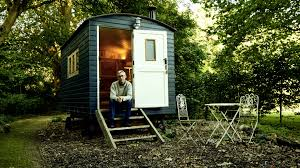 The Shepherd's Hut: Poems by <b>Jonathan Bate</b>: Unbound
