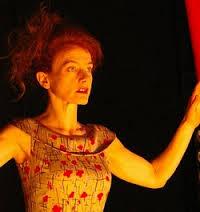 Adapté du roman éponyme de Lydie Salvayre, vous apprécierez la performance du monologue percutant d'Elisabeth Moreau. Elle incarne avec force ce personnage ... - FOTO6-228-2011-04-BP