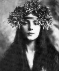 Photograph of Evelyn Nesbit by Gertrude Kasebier ... - rudoff-eickemeyer_evelyn-nesbit_1901_www_lylybye_blogspot_com