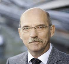 """Klaus-Dieter Lang, Direktor des Fraunhofer IZM und Chairman EGG 2012+: """"EGG 2012+ ist das Diskussionsforum, um technische Fortschritte hervorzuheben, ... - 1343378921-18-lang-klaus-dieter-fraunhofer-izm"""