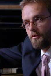In 2007, he won both the 1st prize and the special Hermann Reutter Prize at the International Hugo Wolf Competition for Liedkunst in Stuttgart, ... - _1311538