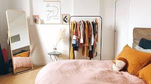 Обустраиваем открытую гардеробную: 6 видов <b>вешалок</b> и ...