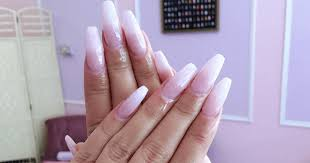 How long do <b>acrylic</b> nails last and how you make them last longer ...