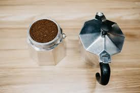 Руководство по приготовлению кофе в <b>гейзерной кофеварке</b>