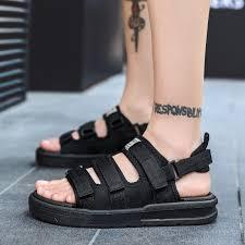 Budite obeshrabreni puls tjestenina oversized <b>sandals</b> ...