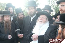 photo essay  kretchnif rebbe on a trip to concentration camps and    img  img