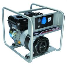<b>Бензиновый генератор BRIGGS</b> & STRATTON 2400A (2200 Вт ...