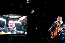 Astronaut and Musician Perform 1st <b>Original</b> Duet from Space and ...