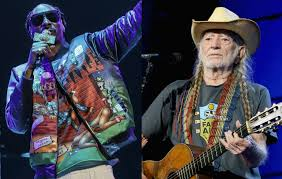 Snoop Dogg and <b>Willie Nelson</b> are releasing a new song together