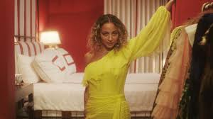 Inside <b>Nicole Richie's</b> home for a perfect night in | Vogue Paris