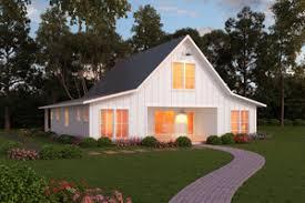 Simple House Plans   Houseplans comSignature Farmhouse style plan   front