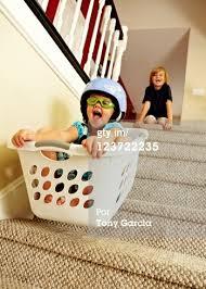 Resultado de imagem para crianças brincam em apartamentos