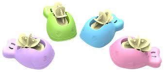 <b>Игрушки</b> для купания малыша
