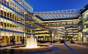 the bluecross blueshield of tennessee corporate headquarters complex comprises a 20000 square foot tier ii data center office buildings amenitiesfood bluecross blueshield office building architecture