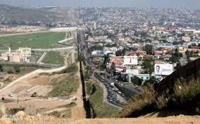 「アメリカーメキシコ国境における「壁」建設問題」の画像検索結果