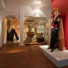 <b>Christian Dior's New Look</b>