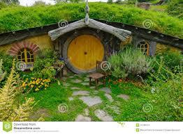 Afbeeldingsresultaat voor hobbithuis
