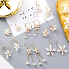 【In Stock】 <b>Korean</b> Version Opal <b>Five</b>-<b>Leaf Flower</b> Diamond Earrings ...
